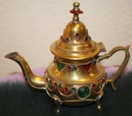 Schöne kleine bunte Teekanne aus Marokko - Bild vergrößern